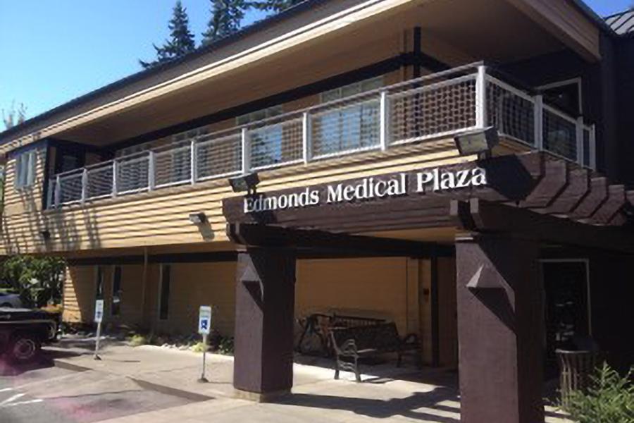 Edmonds Medical Plaza entrance.